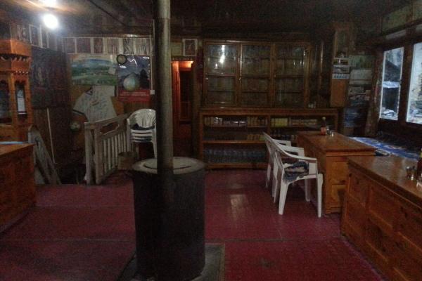 Geheizt wird mit getrocknetem Yak Dung