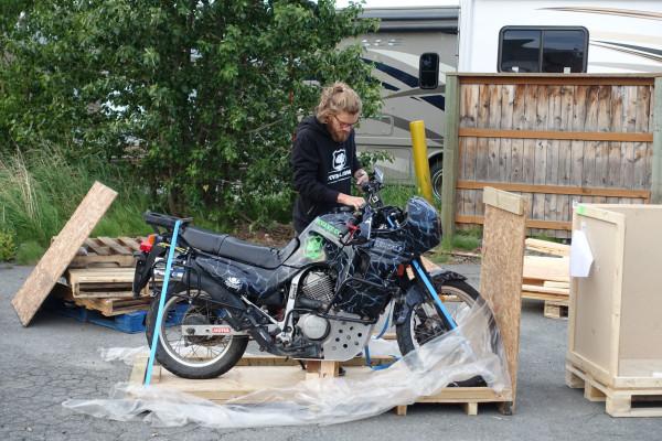Motorräder zusammenbauen