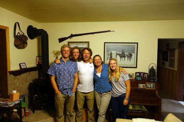 Amos, Moriah, Kirk, Lynda und Risa