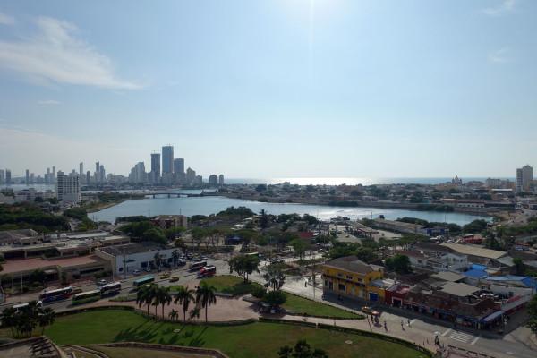 über Cartagena.