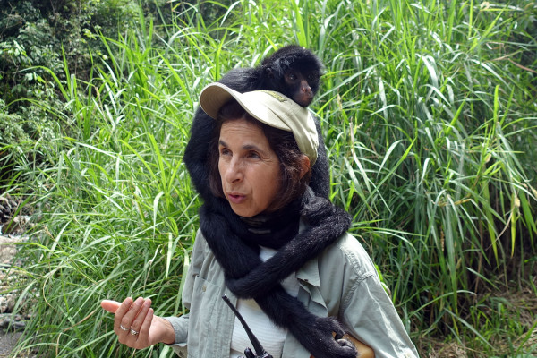 Klammeraffe und die Gründerin Vicky Ossio
